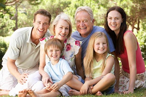 family-in-park-01